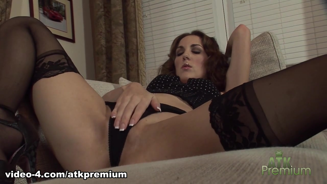 Quality porn EroticMuscleVideos Fbb Lesbian Training Session