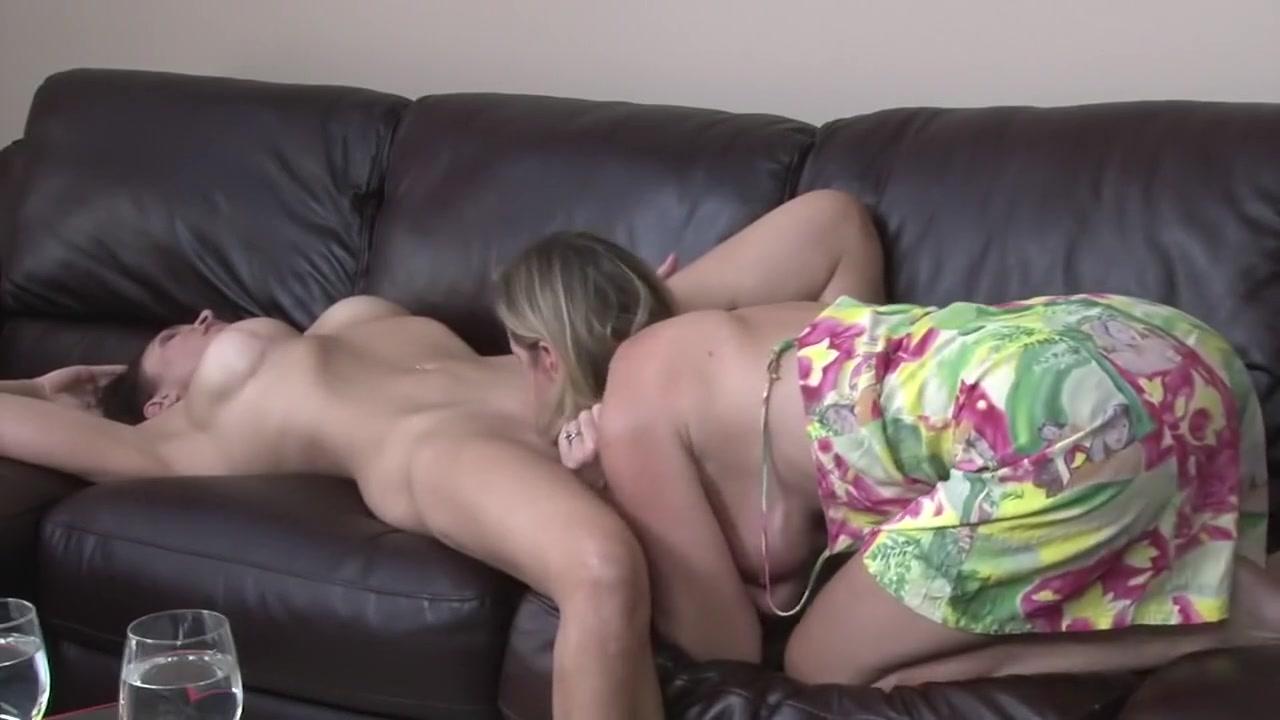 Pornos Orgy fucks lesbin
