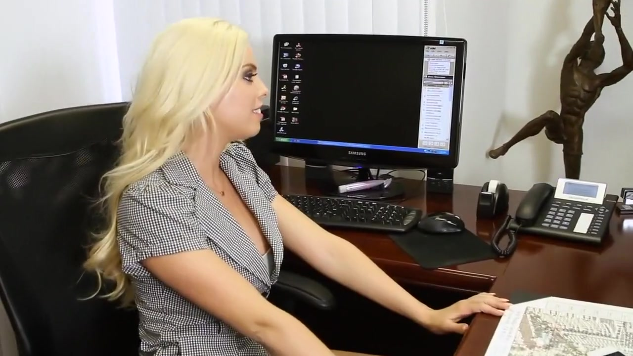 Fucked infront hot webcam desi a babe of