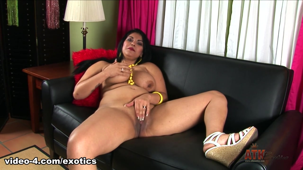 Sexy Photo Sexy topless women pics