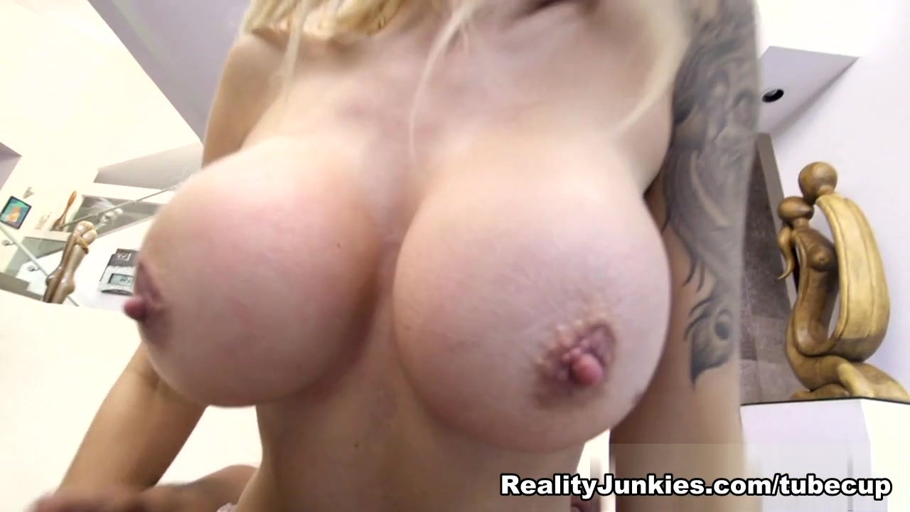 Dawns place blowjob Hot Nude