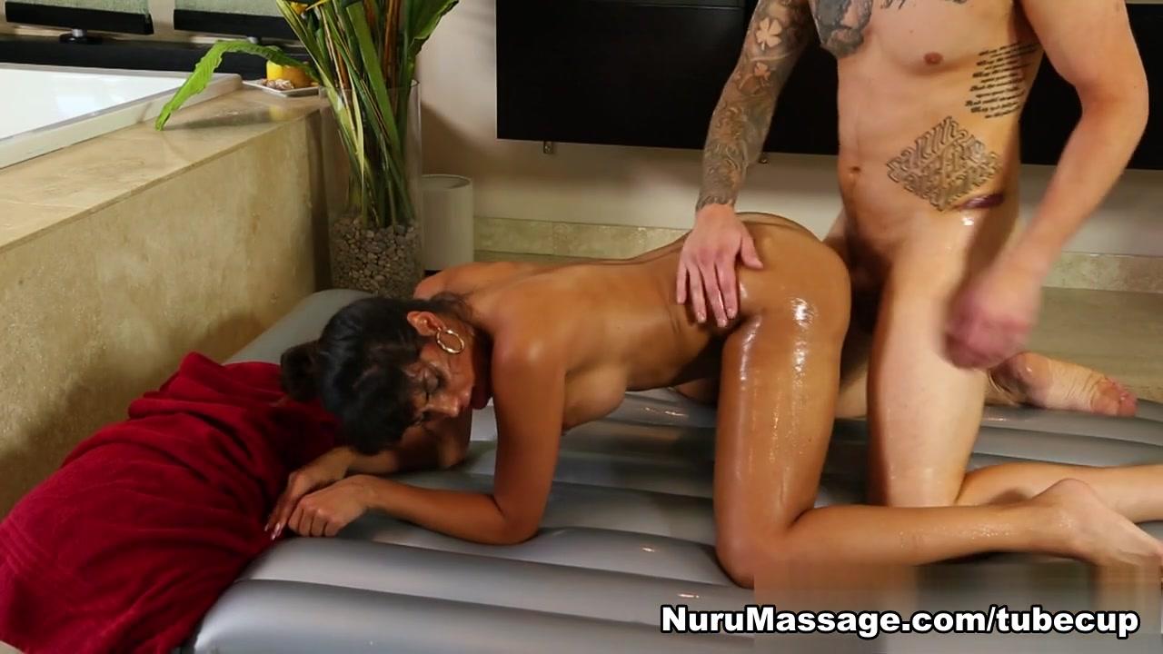 Hot Nude Crossdresser blowjob videos