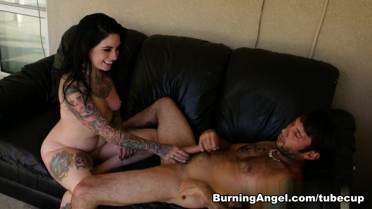 Naked xXx Base pics Jj bbw tits play while driving #3