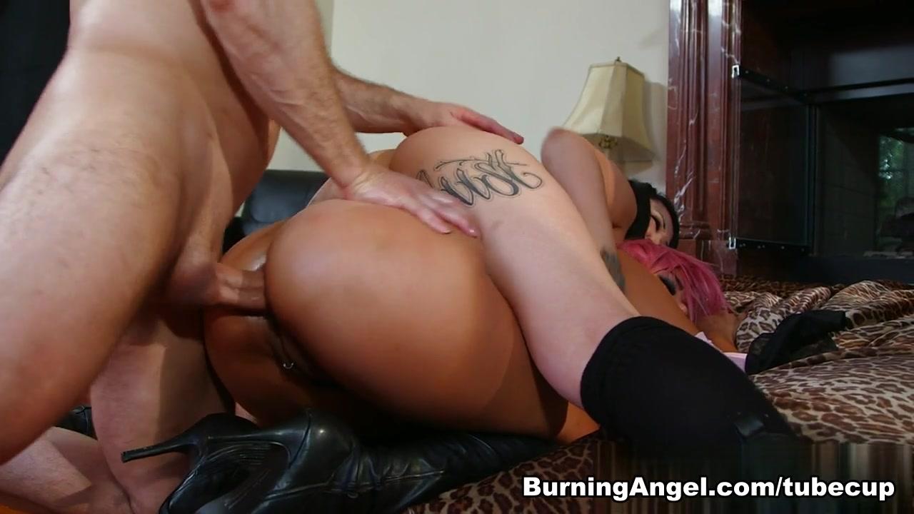 Porn Pics & Movies Shemale vacuum toucher