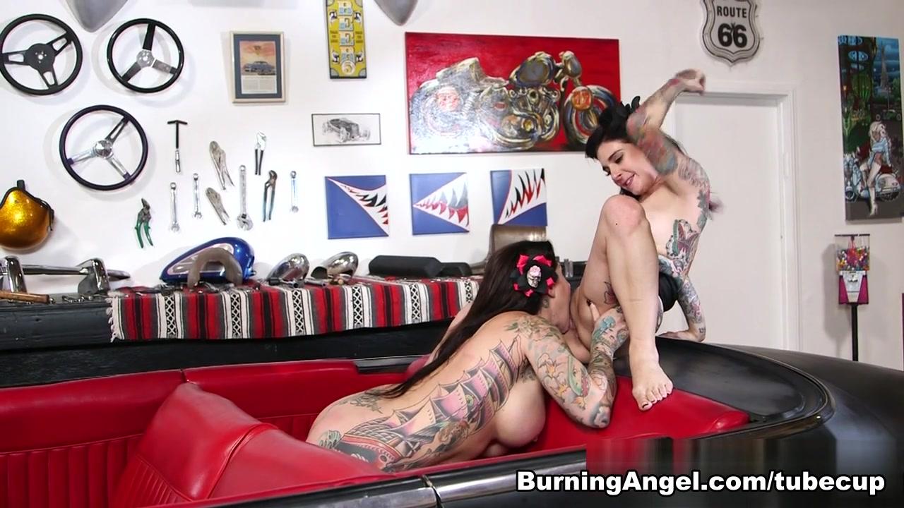 Naked butt wwe divas