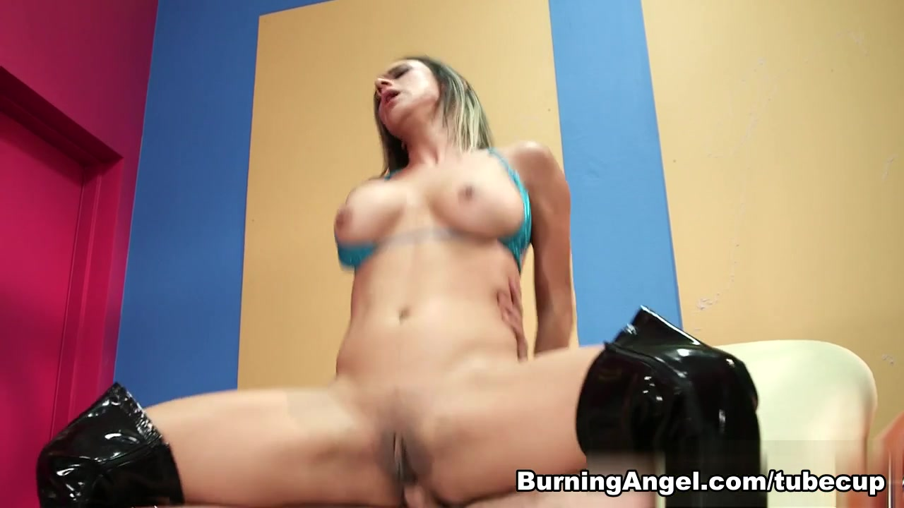 Naked Galleries Old men fuck wife