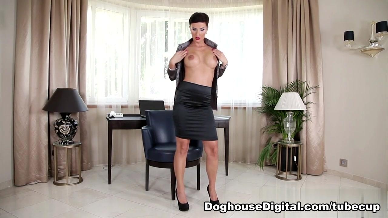 XXX Porn tube Daisy duke cameltoe