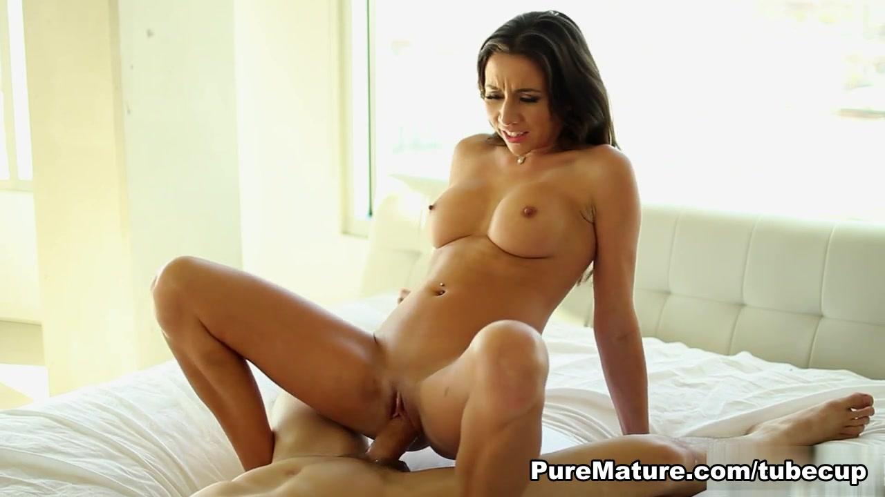 Porn FuckBook Flattened woman fetish cartoon