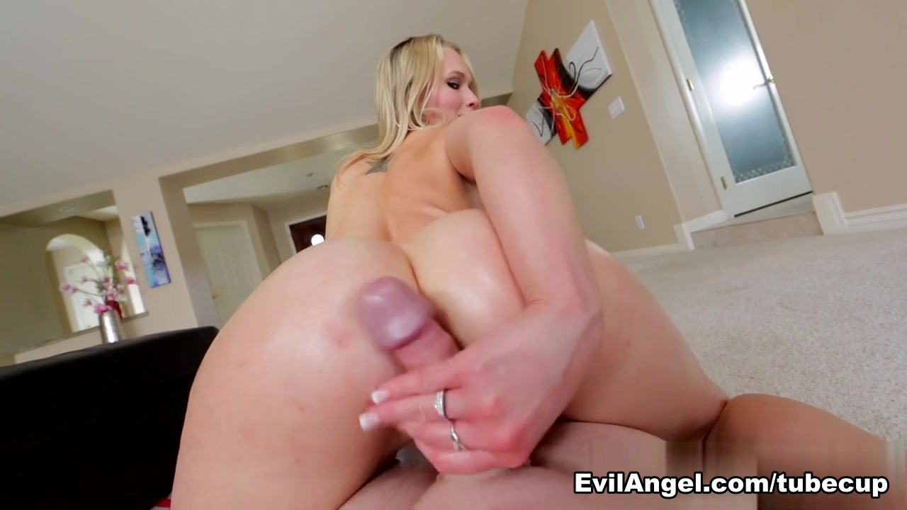 Nude adult movie womens shower sex scene gifs New porn