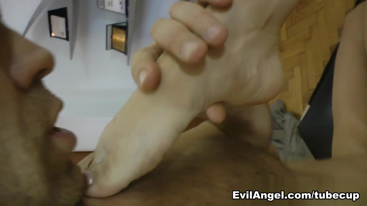 XXX Photo Ebony camel toe pictures