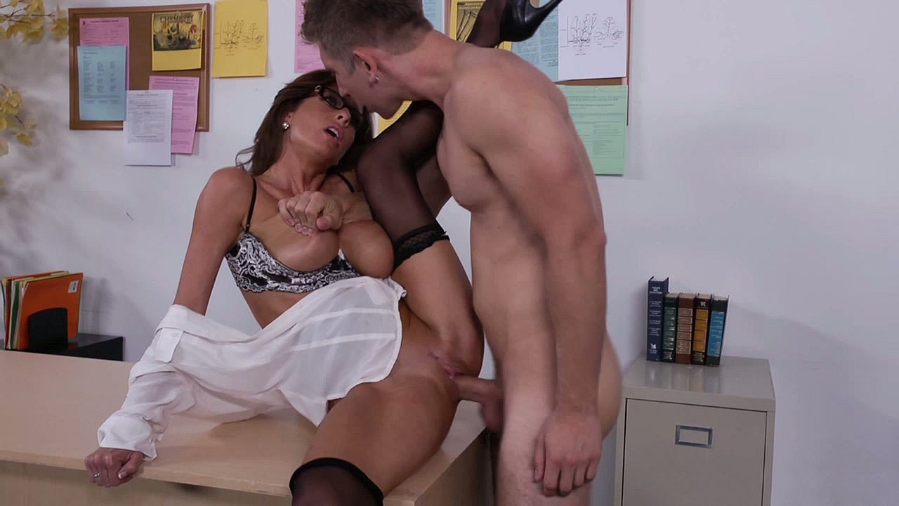 hairy big boobs video Nude 18+