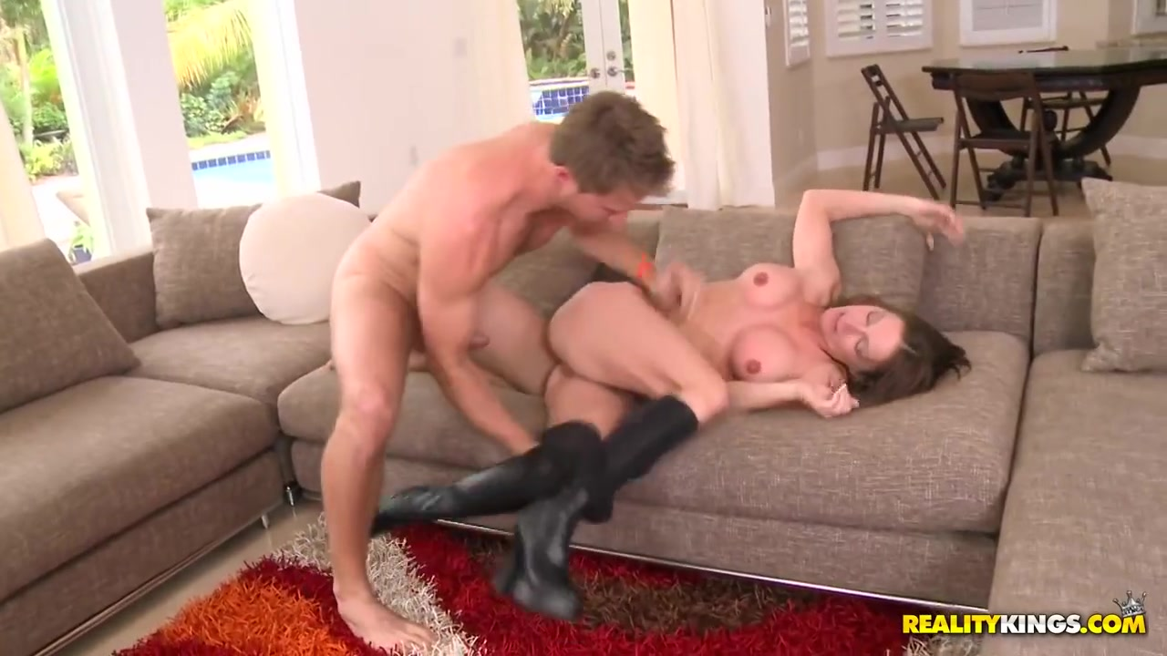 giant boob milf video XXX pics