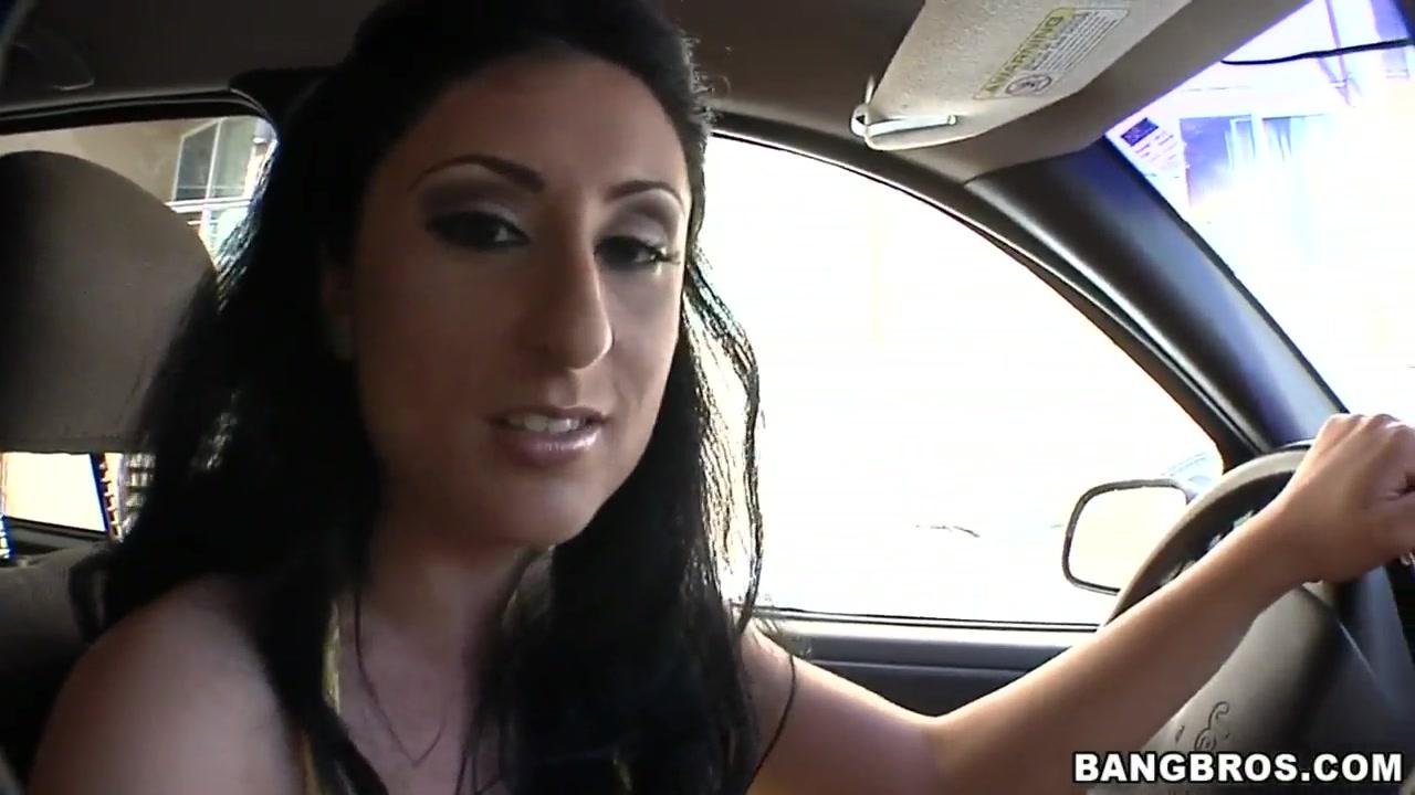 Bisexual Creampie masturbates lesbios