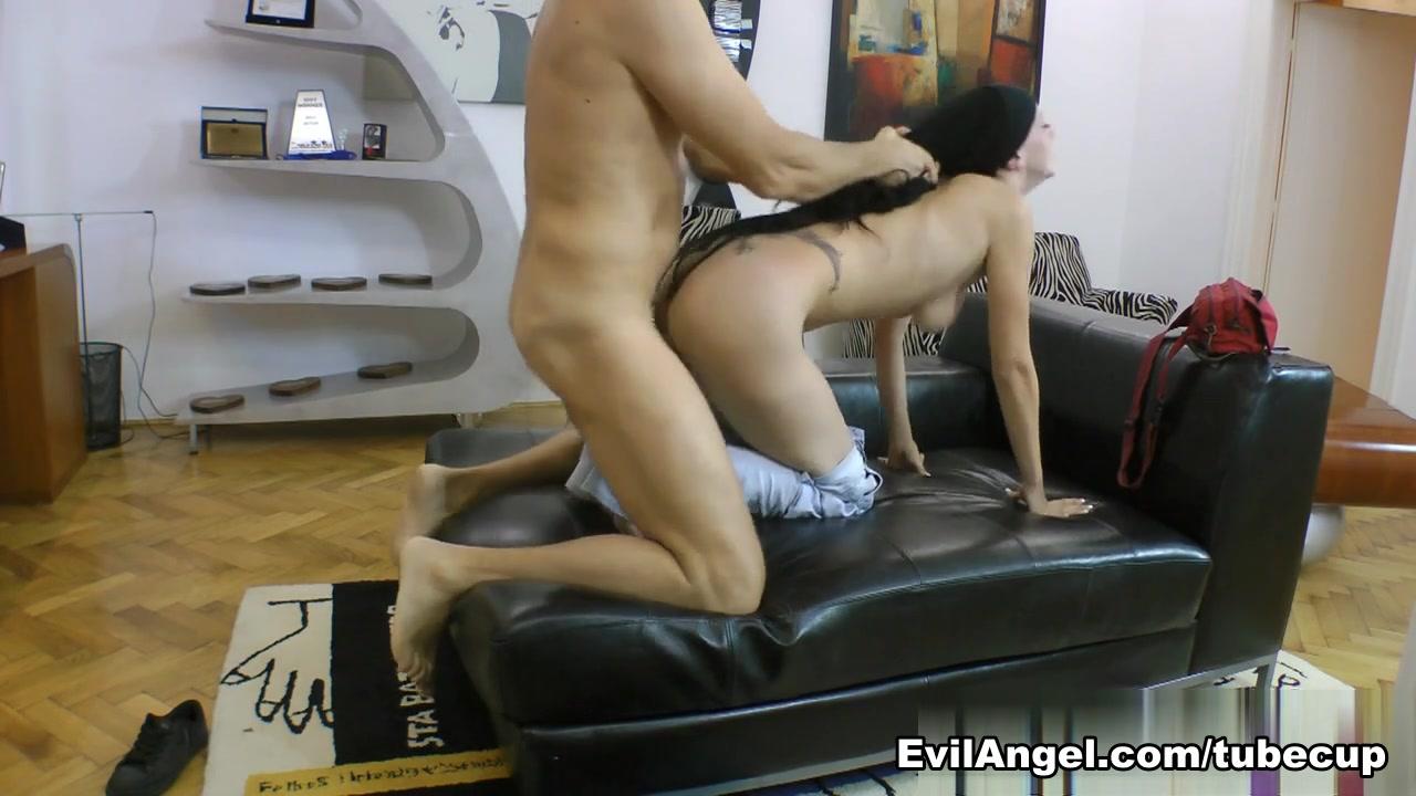 Nude photos Aerodance latino dating