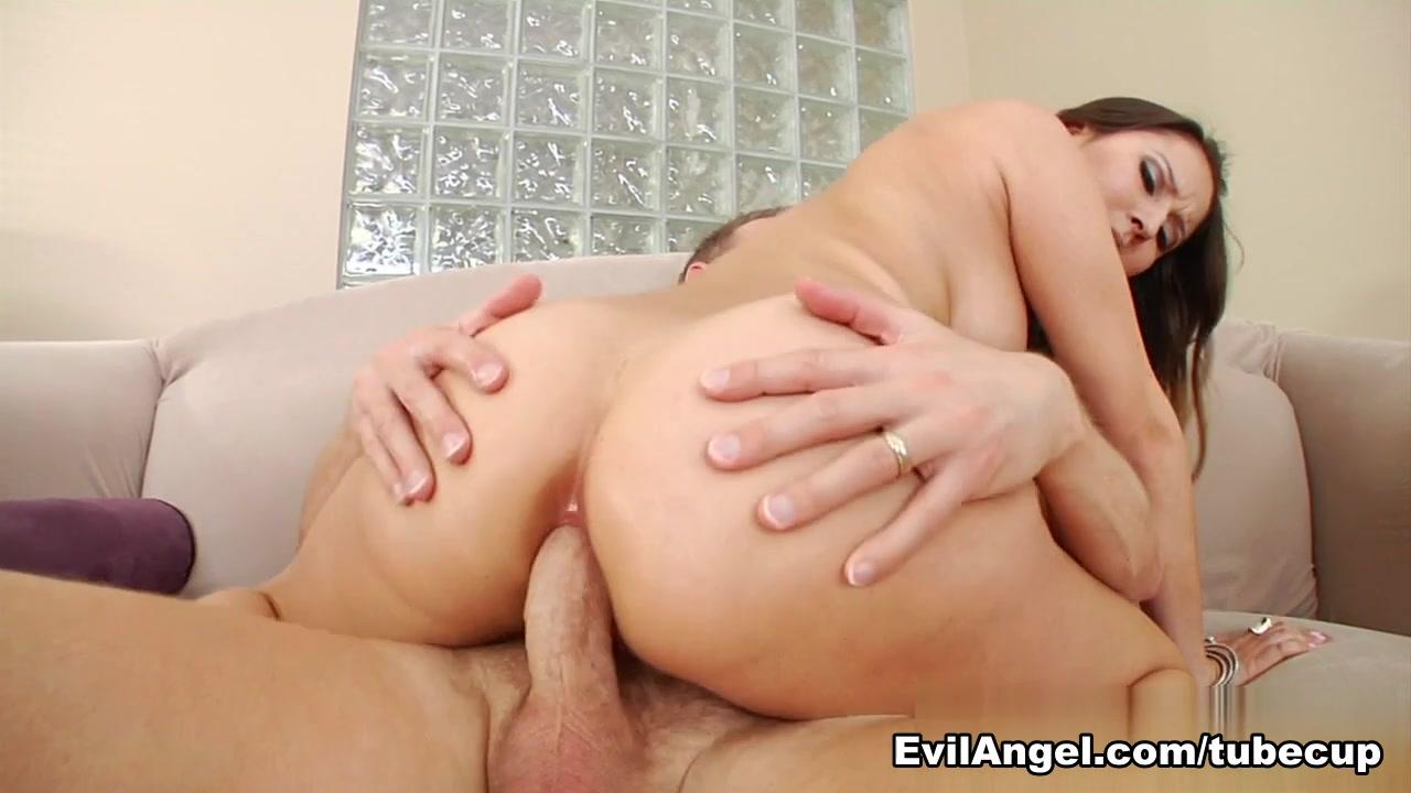 Hot Nude Bar hookup etiquette