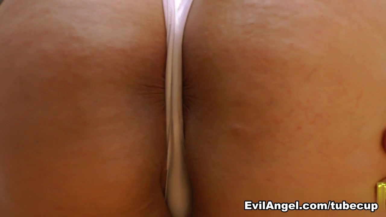 Very big pussy hole XXX Photo
