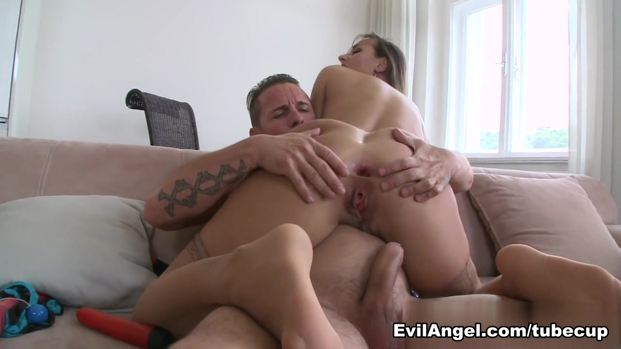 FuckBook Base Sara james nude pics