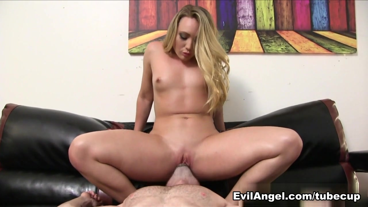 XXX Porn tube Sexy pornstar tyler stevenz up close and personal