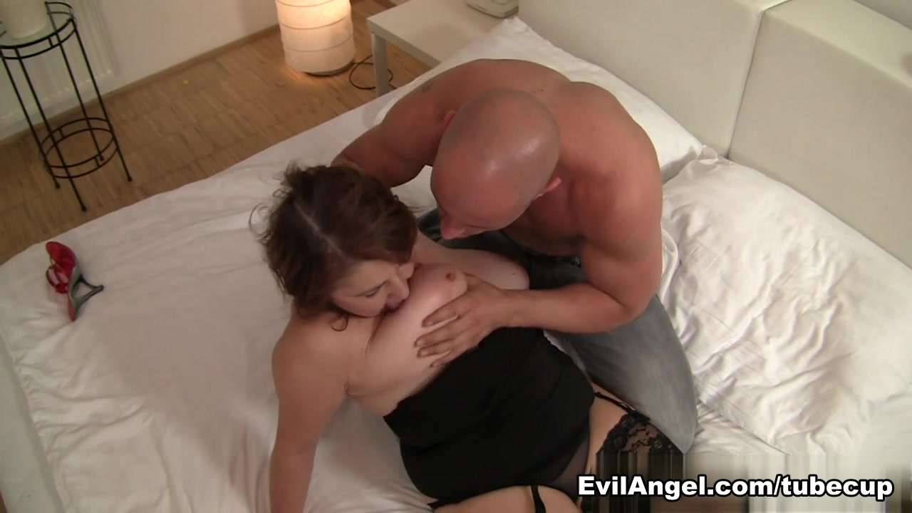 Naked Porn tube Submissive bbw getting a creamy facial