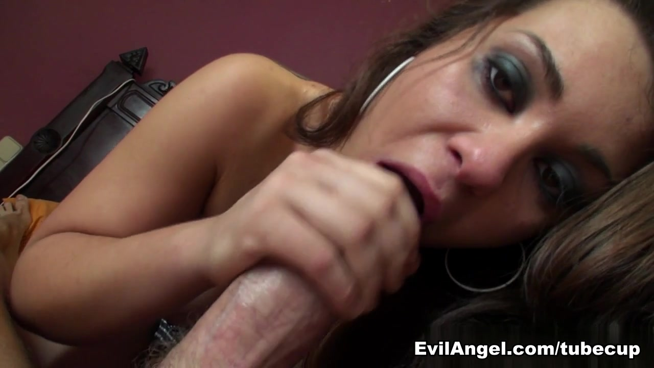 Good Video 18+ Pornstar Threeway Eat Out