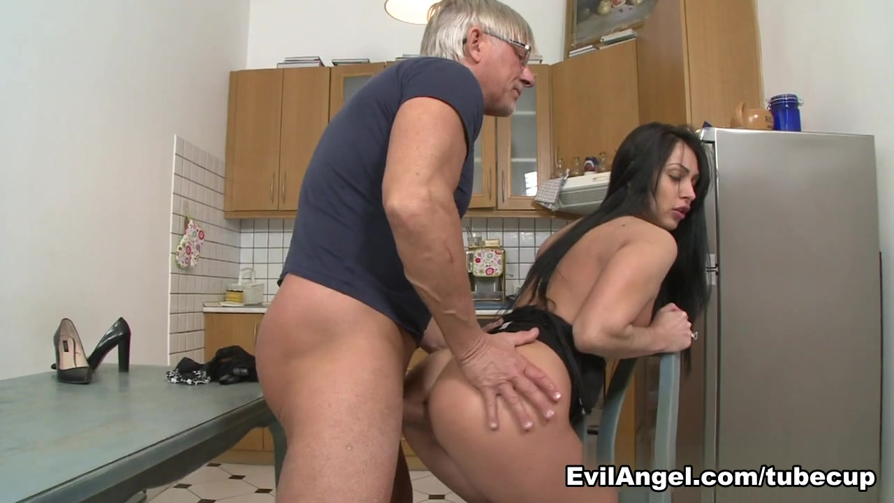 Cancer leo cusp dating leo dicaprio and kate Sexy xxx video