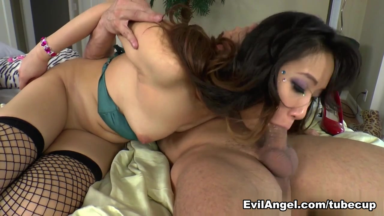 Sexy Video Milf piss on her husband