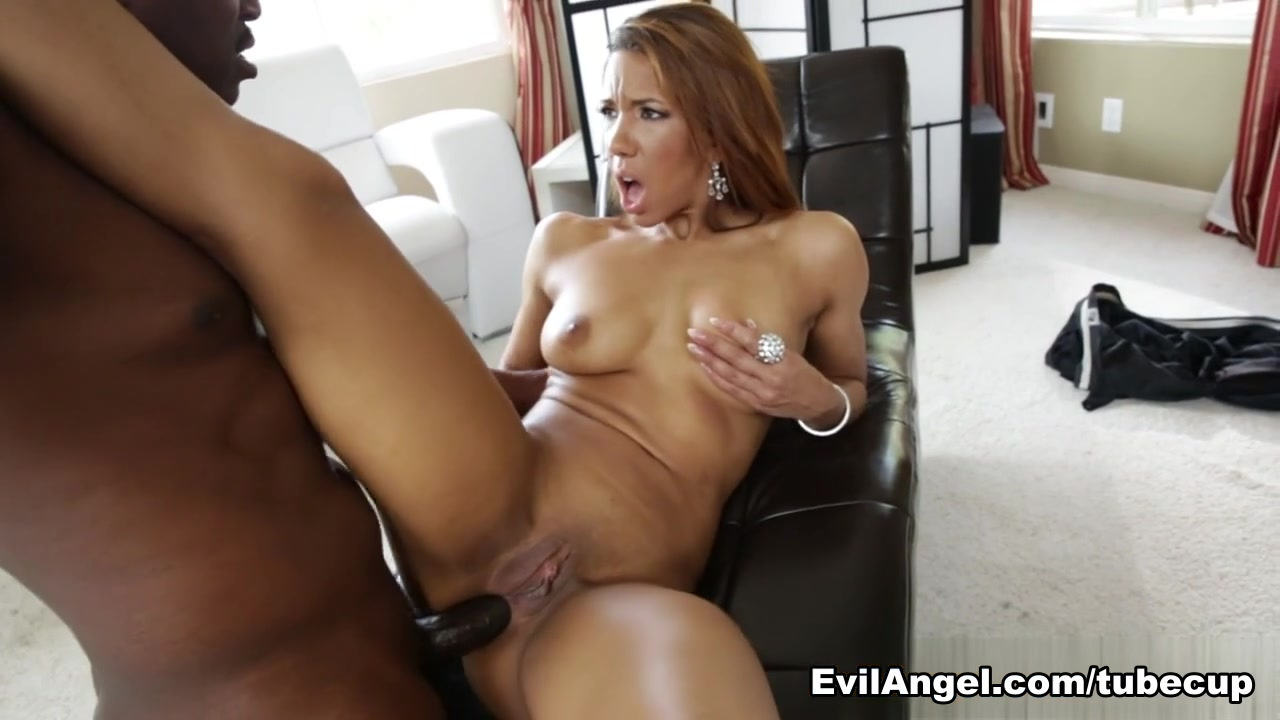 Amazing body amateur latina takes long pounding from behind Porn tube