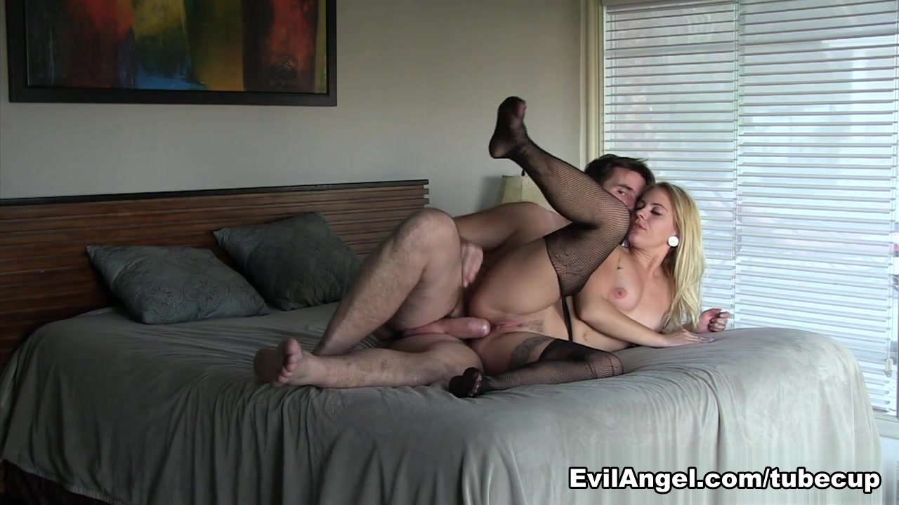 XXX Photo Highheeled lezzies fisting each others pussy