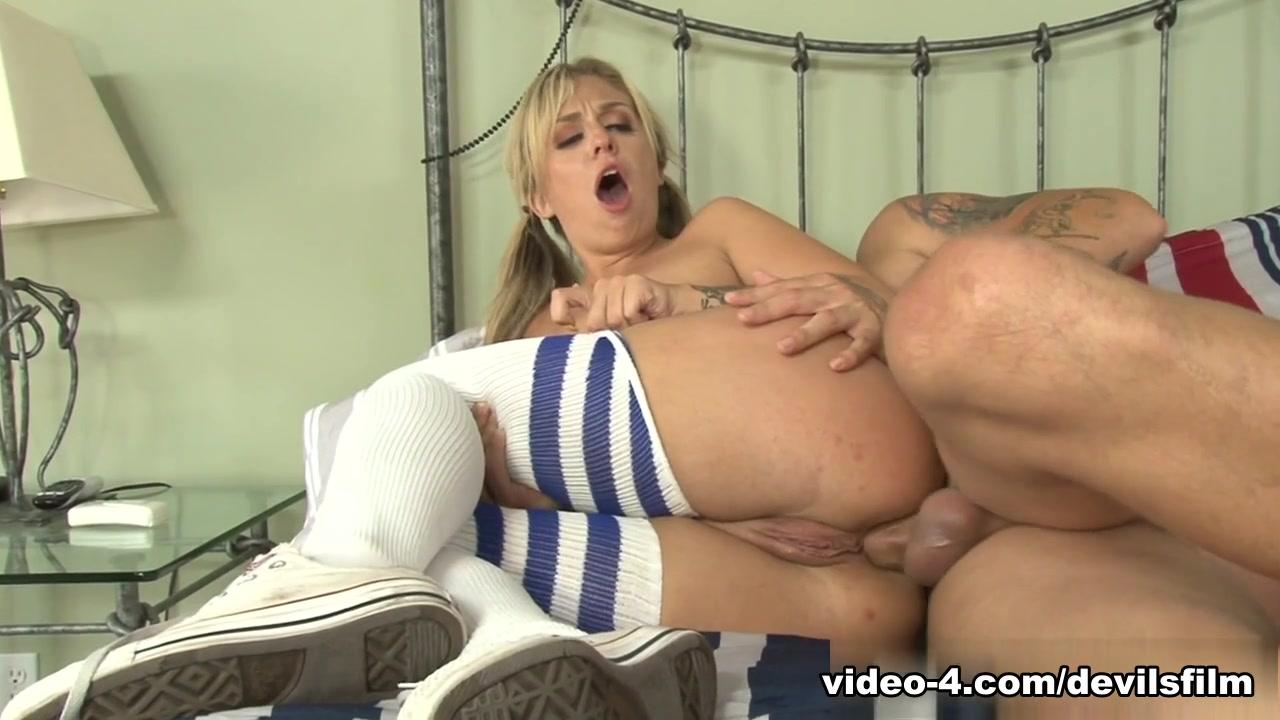 Sexy bitches stripping XXX pics