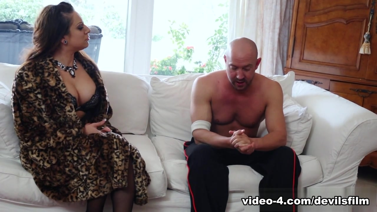 XXX Porn tube Good dares to give someone over text