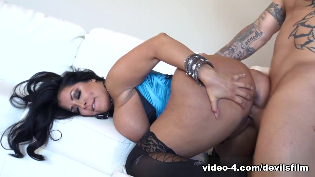 XXX Video Women in prison erotic