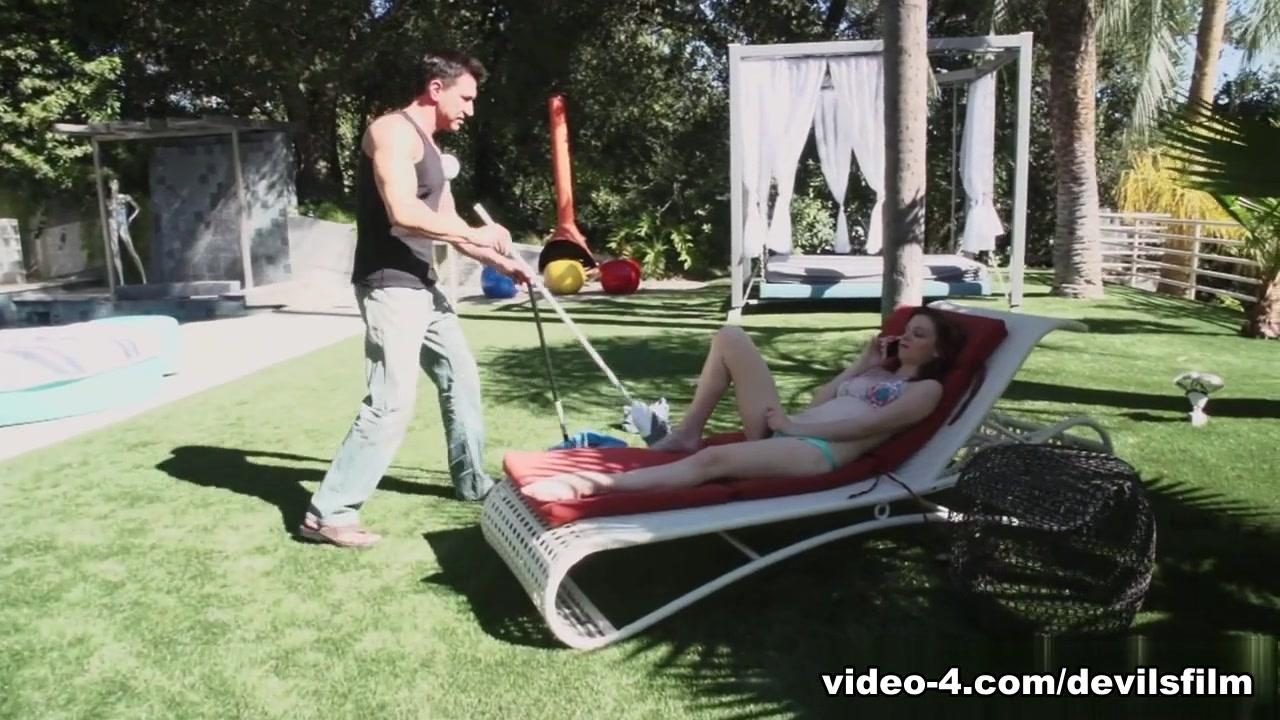 XXX pics Attractive women screwing full screen videos