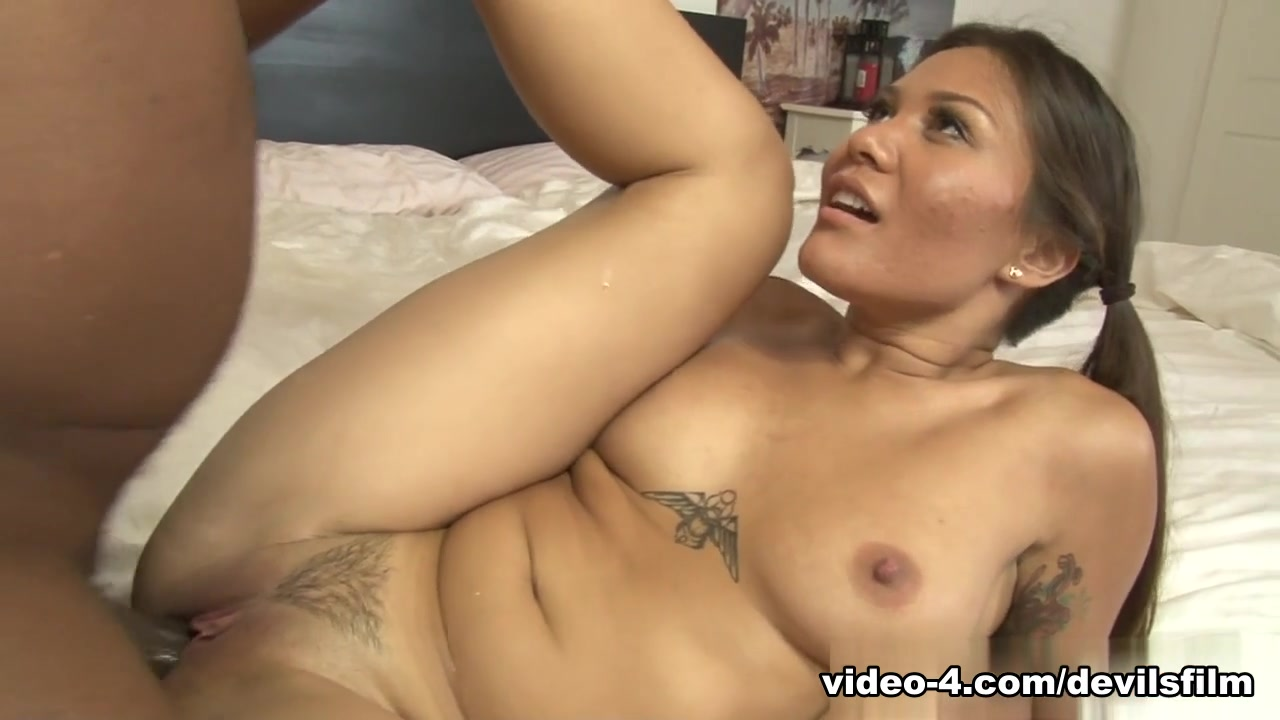 Big booty ebony lesbains Hot Nude gallery