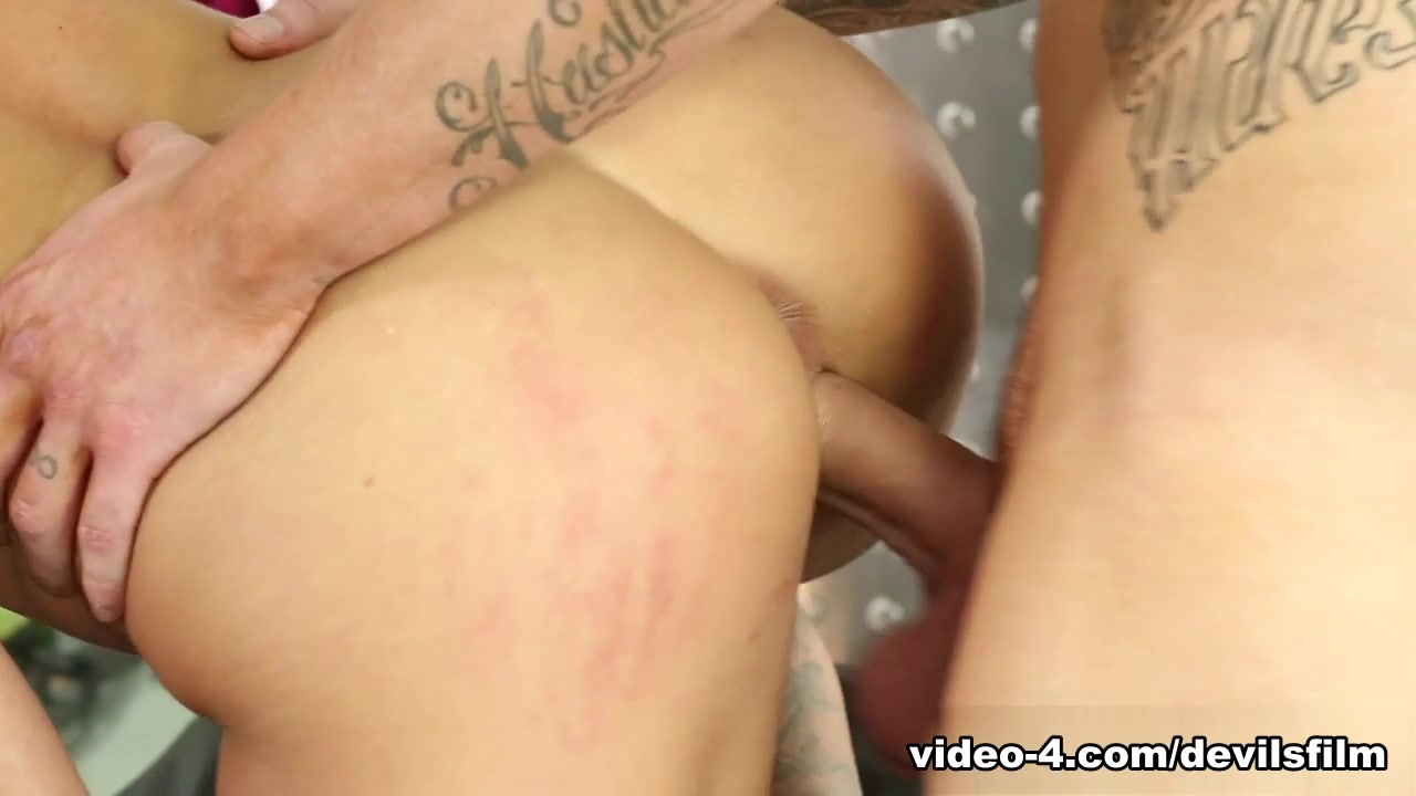 Hot Nude Big wet clit