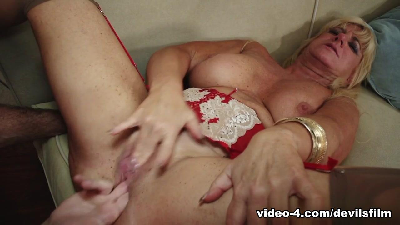 XXX Porn tube Granny anal queens 3