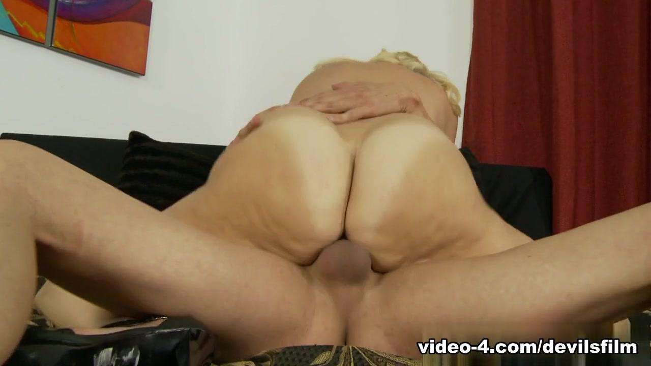 All porn pics Big ass long sexy legs