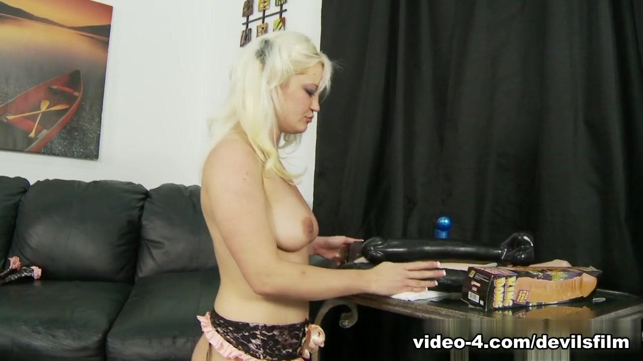 XXX pics Sexy room massage