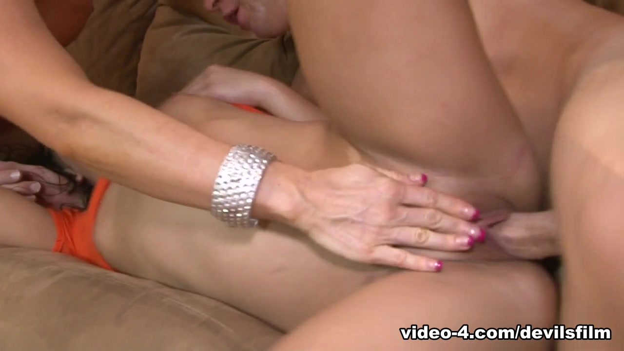 xXx Pics Confused hookup a man in the middle of a divorce