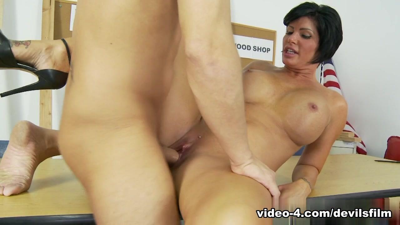 sophie cumshot from huge cock Porn tube
