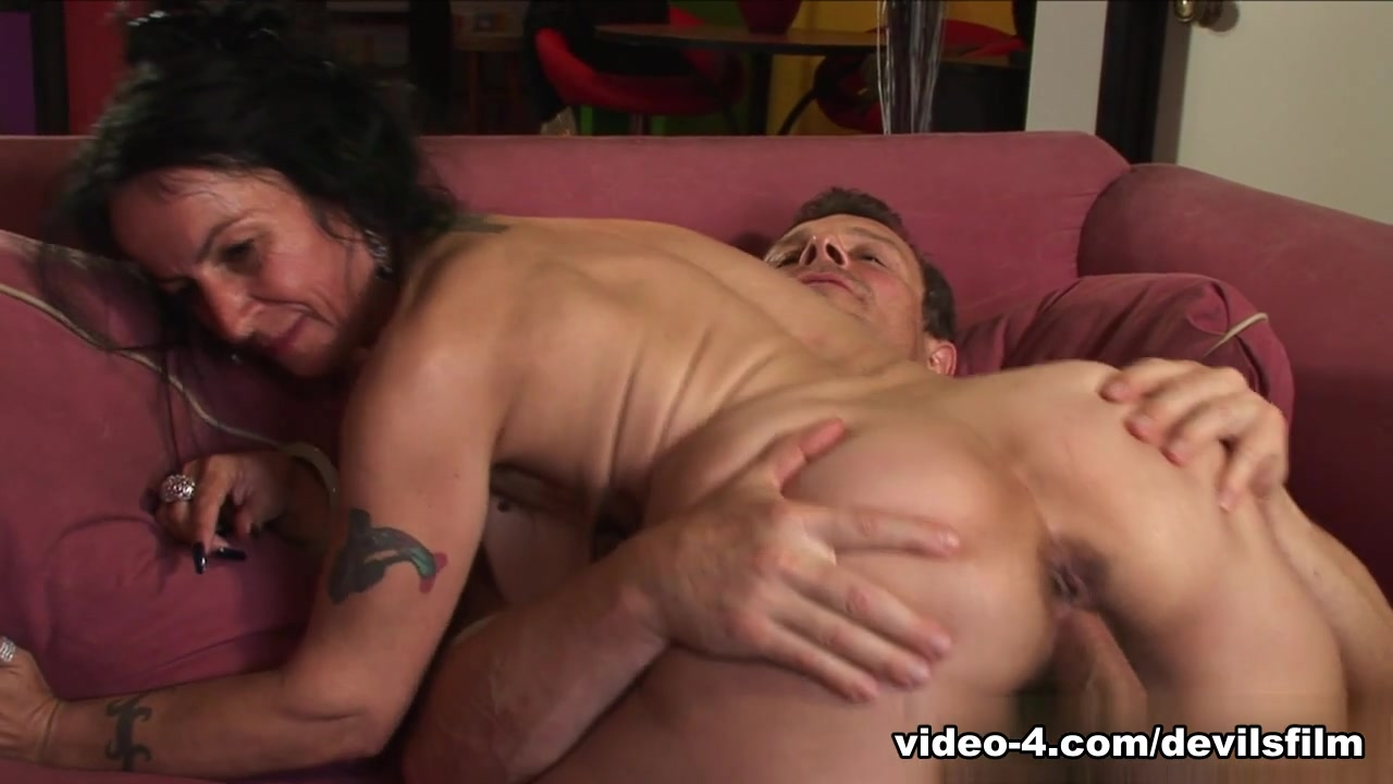 Good Video 18+ Gay double penetration dvd