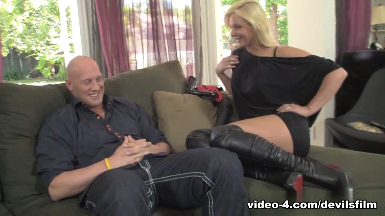 Porn pictures Foursome massage porn