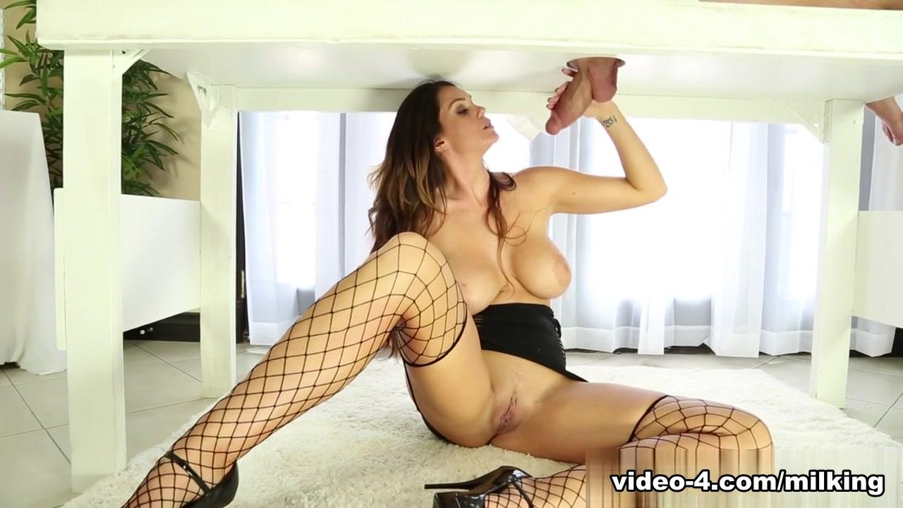 xXx Galleries Hairy pornstar sex with creampie