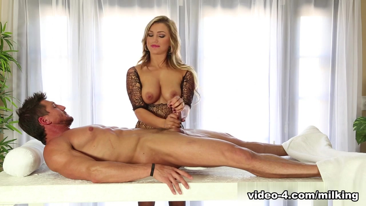 Sexy french milf fucks at home Porn clips