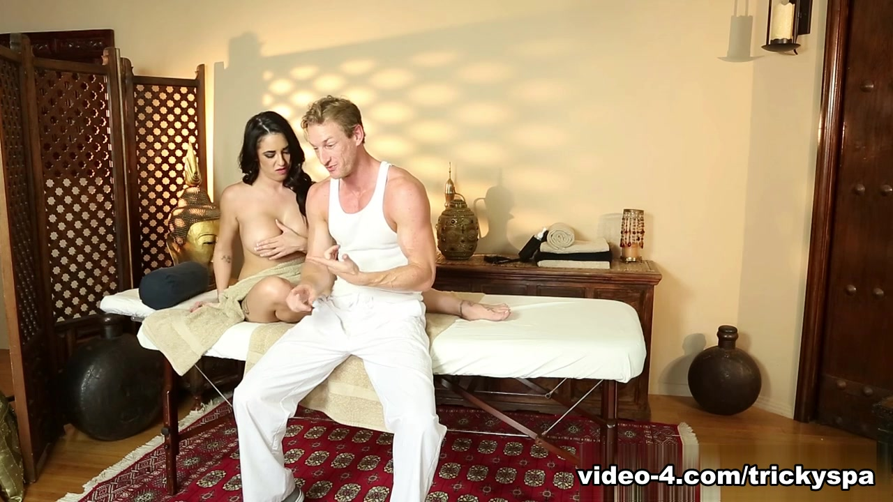 Porn clips Pussy on pussy squirt