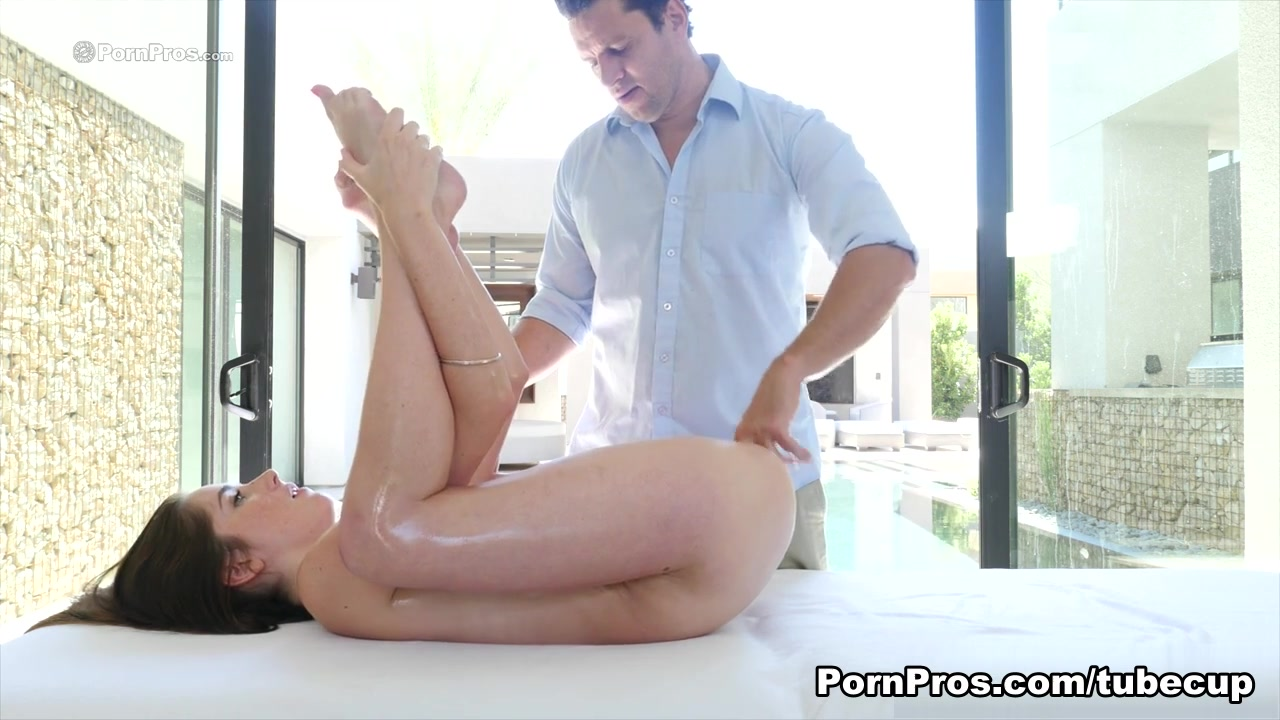 bella reese blowjob Sexy Galleries