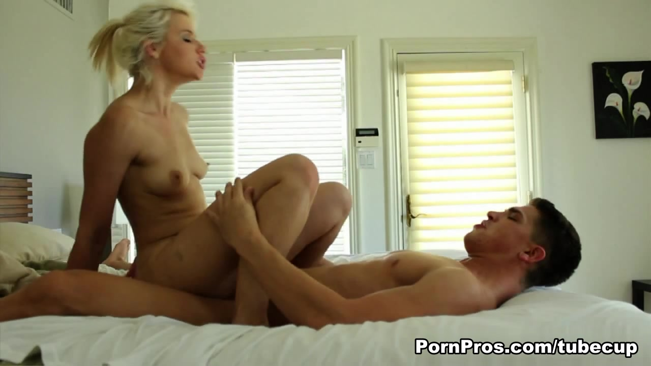 Nude photos of deepika Nude 18+