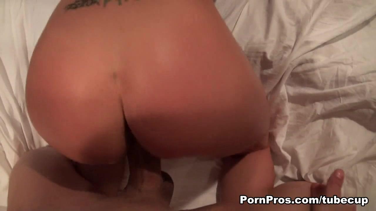 Hot Nude Fuck my slutty wife
