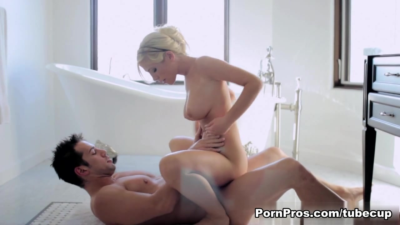 Naked xXx Base pics Came on her tits