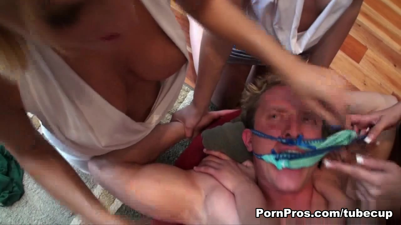 mature friendly swingers in uk Nude Photo Galleries