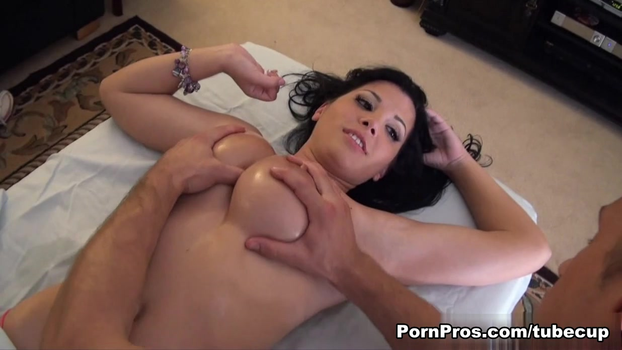Natural nude mothers Porn clips